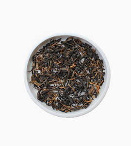 Leaves and flowers black tea   golden monkey