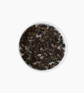 Leaves and flowers oolong tea   black dragon