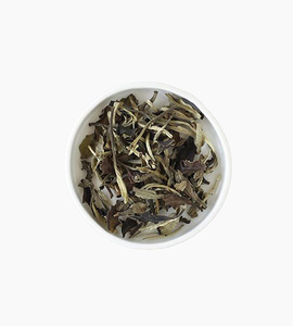 Leaves and flowers white tea   moon white
